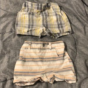 2 pairs of shorts 6-9months